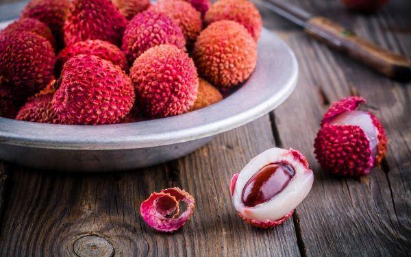 Photo of Личи – фрукт: полезные свойства и противопоказания, как есть (фото)