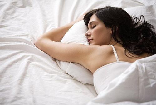 Photo of Как научиться спать на спине по ночам