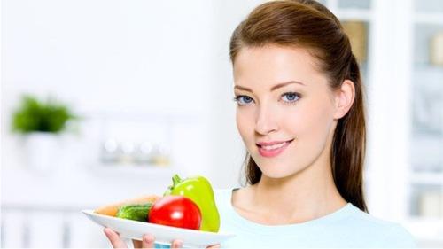 Photo of Здоровое питание и упражения снижают риск рака на 40% – врачи