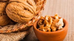 Photo of Ученые выяснили, как микрофлора кишечника зависит от грецких орехов