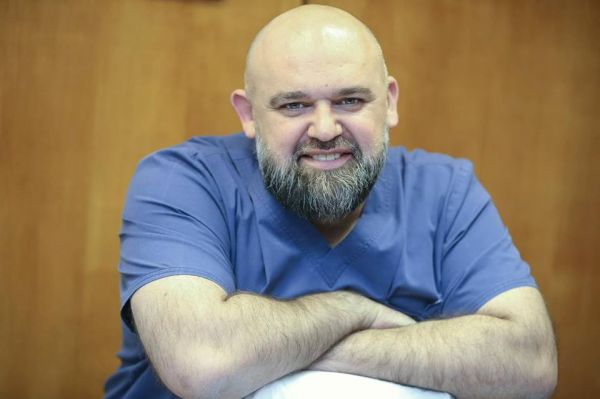 Photo of Денис Проценко — главный врач: биография, семья, жена, дети (фото)
